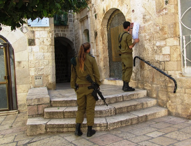 """Israeli soldiers' image in Old City"