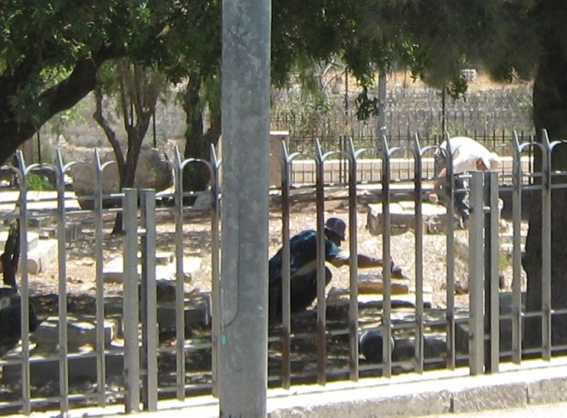 """cemetery Israel"", ""picture graves in Mamilla"""