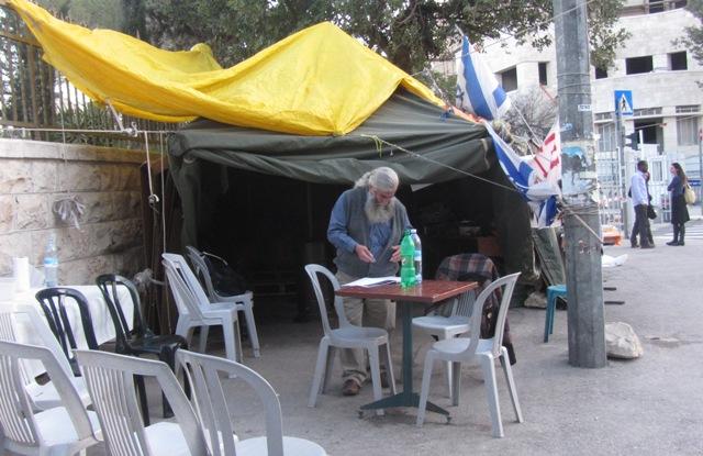 """image protest tent"", ""image deputy mayor"", ""photo tent"""