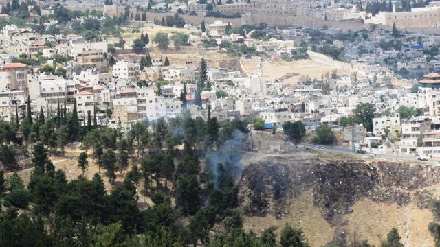 """""""picture smoke"""". """"photo Jerusalem"""", """"image Silwan"""""""