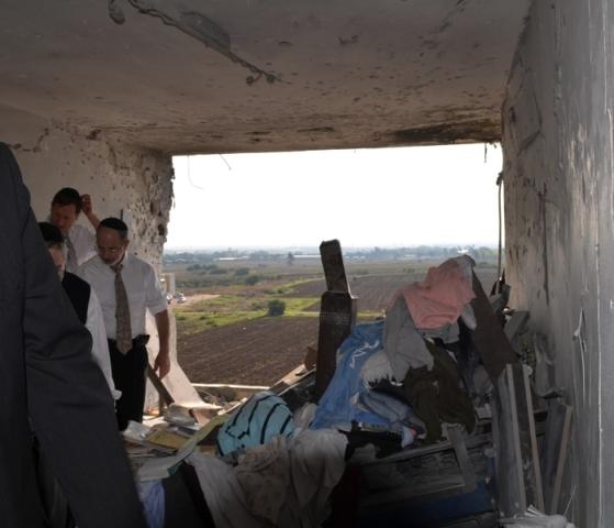 destroyed apartment Kiryat Malachi