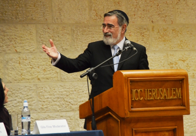 Chief Rabbi Sacks in Jerusalem, photo rabbi, Jerusalem book fair